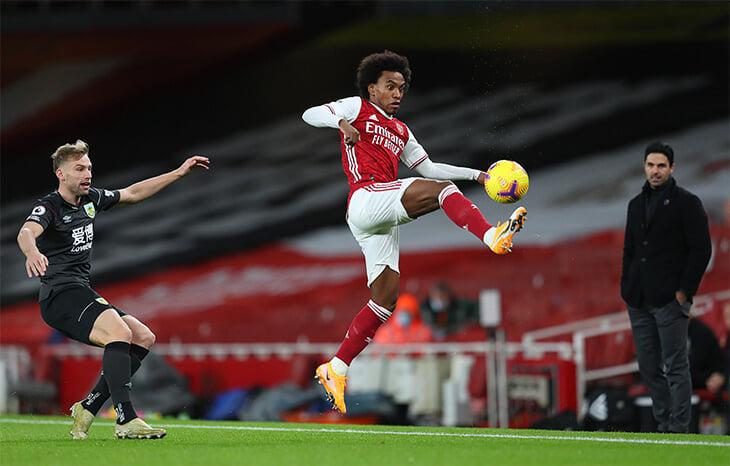 «Арсенал» тонет: проиграл дома 4-й матч подряд, лидирует в АПЛ по удалениям, очень близок к зоне вылета