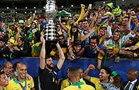 Алиссон, Тите, болельщики, Маракана, Дани Алвес, Ришарлисон, Кубок Америки, Сборная Бразилии по футболу, фото