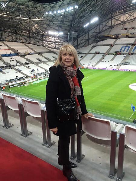 Уже 38 лет в коме из-за врачебной ошибки лежит бывший защитник сборной Франции. Все это время за ним ухаживает жена