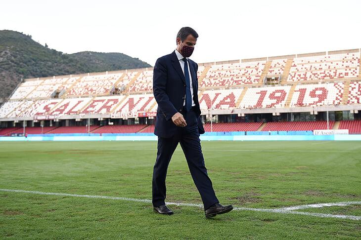 Президент «Лацио» – еще и совладелец «Салернитаны», которая вышла в Серию А. Теперь он обязан продать ее