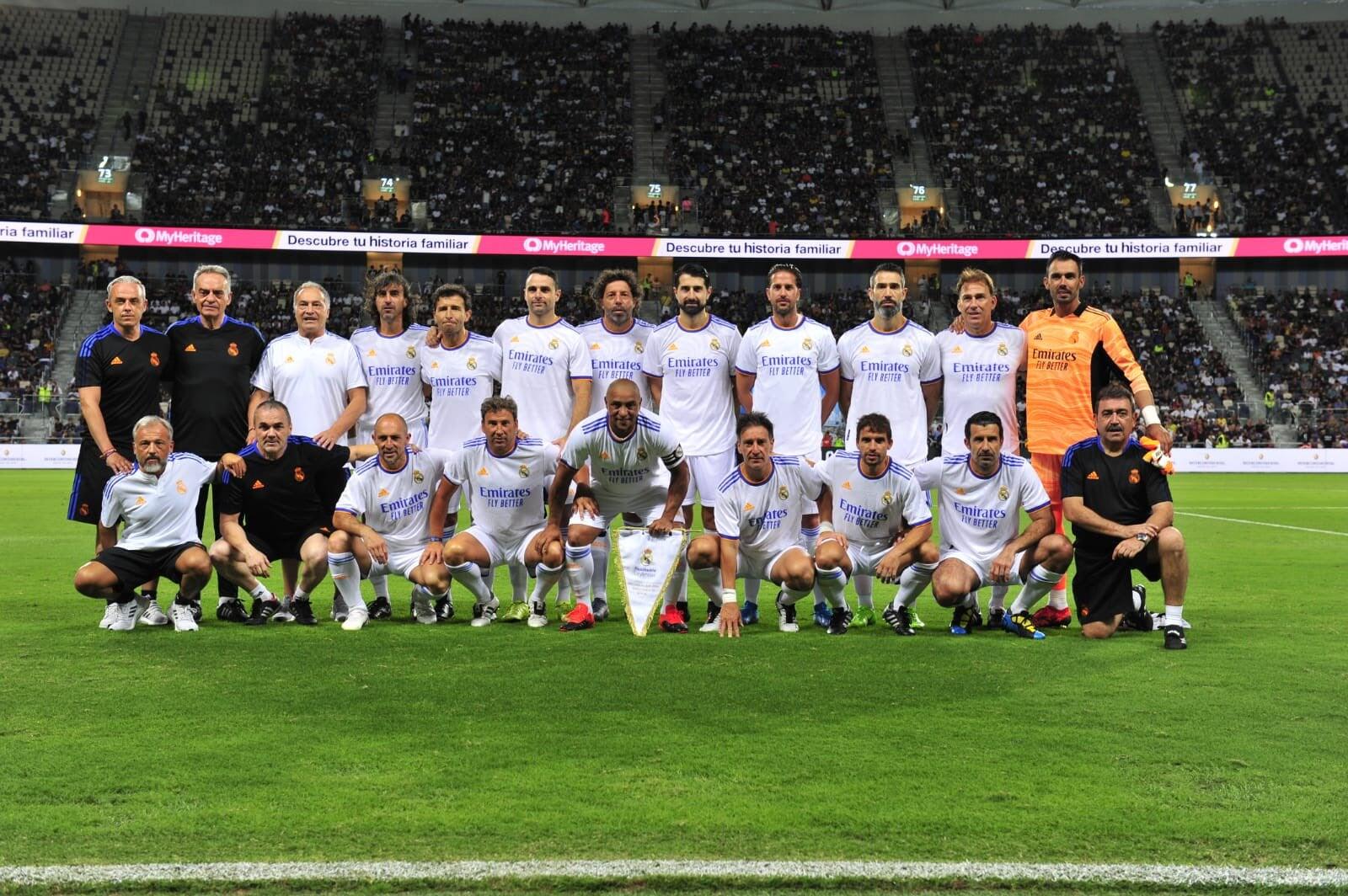 «Барса» и «Реал» провели матч легенд. Много легендарных фото и видео