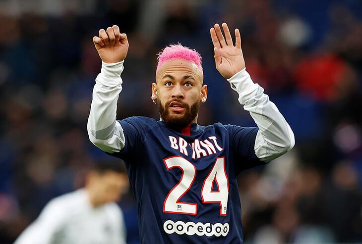 Новые розовые волосы и футболка Кобе задом наперед: разминка Неймара запомнится лучше очередного разгрома от «ПСЖ»