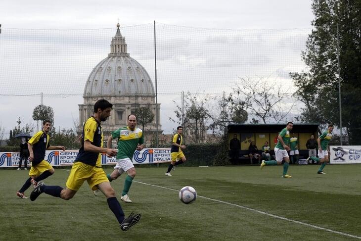 Как живет футбольный Ватикан: развивает любительский спорт, не хочет в ФИФА, однажды сборную тренировал Трапаттони