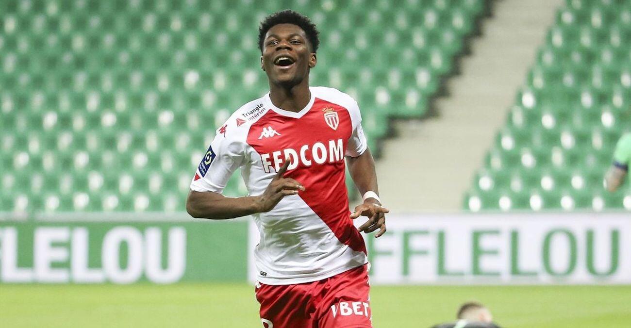 МЮ может подписать хавбека сборной Франции Тчуамени, если Погба уйдет. Монако хочет 50-60 млн евро