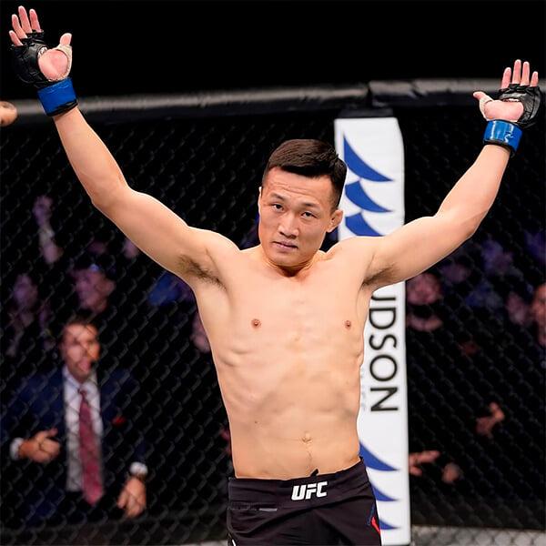 Корейский зомби нокаутировал Эдгара и теперь хочет побить чемпиона UFC