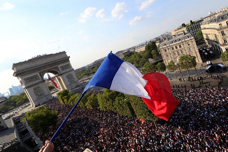 Франция встречает героев