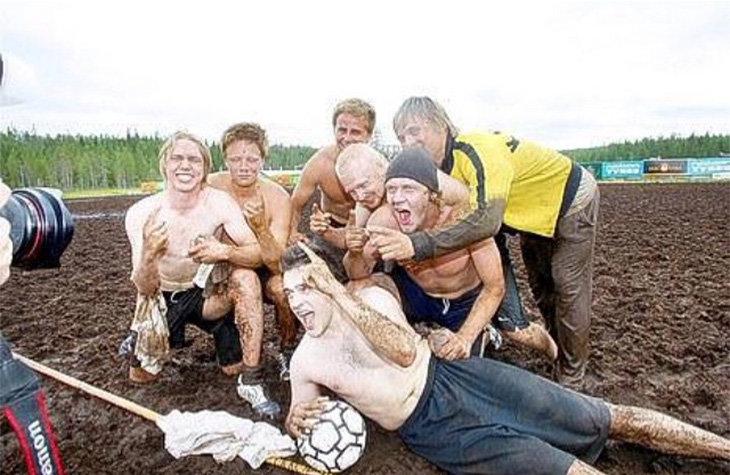 любительский футбол, Нефтехимик, Юусо Пуустинен, КХЛ