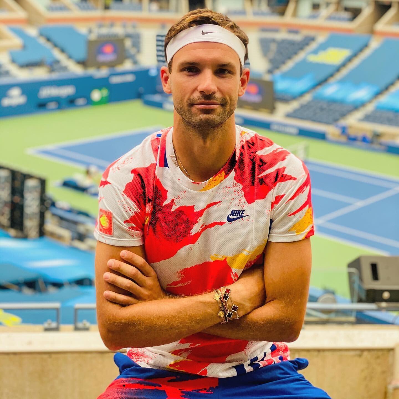 Nike одел теннисистов в вещи Агасси. 30 лет назад он рекламировал их с Red Hot Chili Peppers, и потом его считали помешанным на стиле