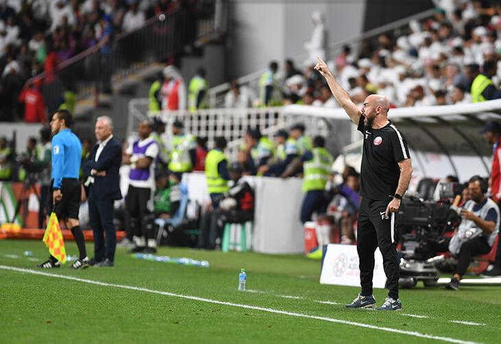 Катар нацелился на полуфинал домашнего ЧМ. Наняли тренера из «Барсы», играют в стиле «Атлетико», им помогают Хави и Рауль