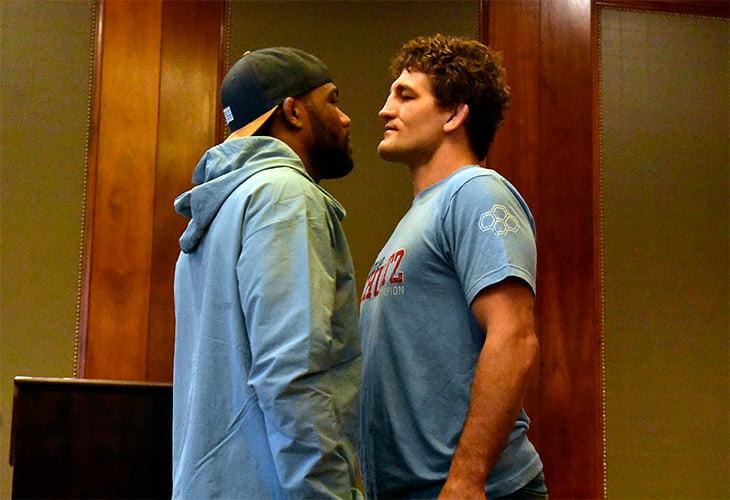 В США даже из борьбы делают шоу: боец UFC улетел в зрительный зал