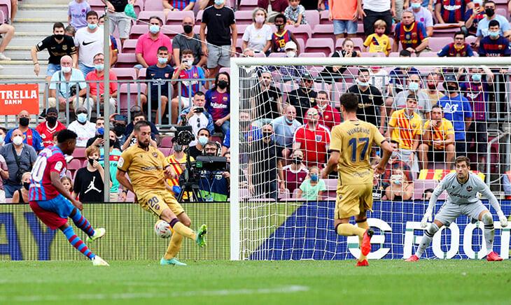 Ансу Фати не играл почти год и пообещал родителям сразу забить. Вышел на 10 минут –и сразу забил