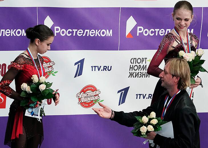 Видели мимику Плющенко, когда Тутберидзе ждала оценок? Играл бровями, предвкушая победу