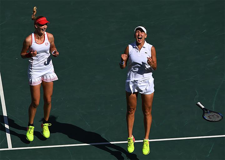 Играли в тенисс а потом трахались