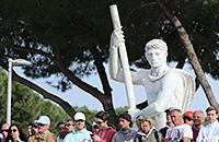 Как в Риме играют в теннис на фоне монументов