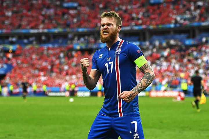 сборная Исландии, Евро-2016, Кардифф Сити, Д2 Англия, Арон Гуннарссон
