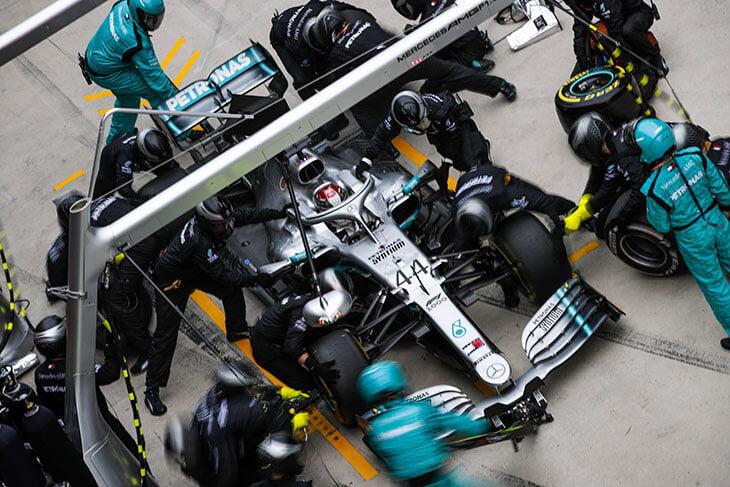 Какой бензин используют в болиде «Формулы-1»?