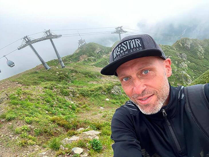 Дмитрий Федоров похудел, подкачался и учится на тренера