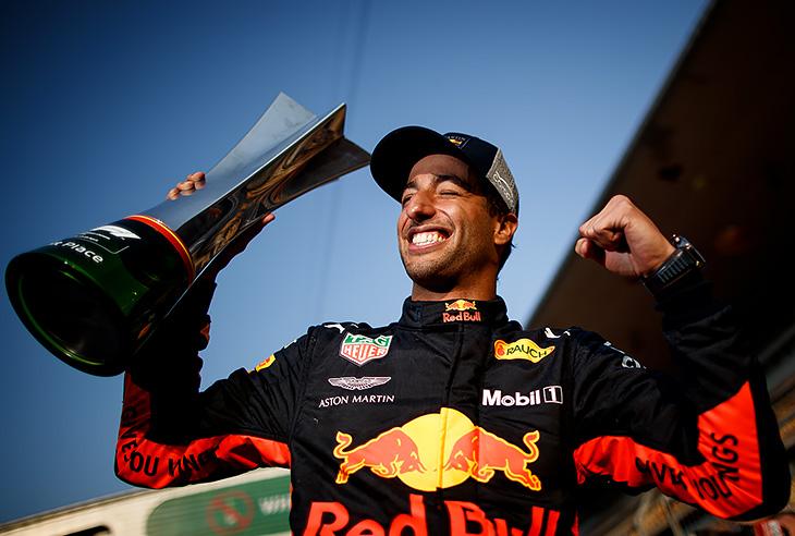 «Ред Булл» выиграл гонку, где победу делили «Феррари» и «Мерседес». Как?