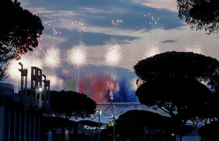 Евро красиво вспыхнул в Риме: полюбуйтесь этим фейерверком!