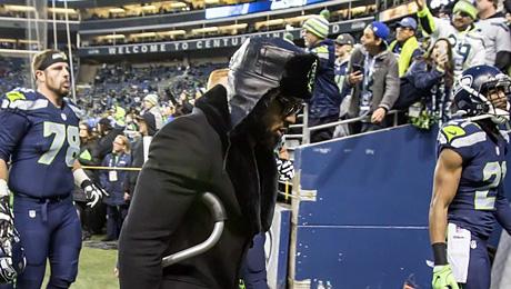 Почему американский футболист гуляет в шапке-ушанке с «Адмирала Кузнецова»