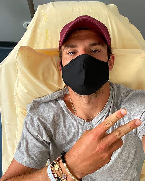 На турнире Джоковича вообще нет защиты от коронавируса. Димитров и Чорич заразились, в опасности все