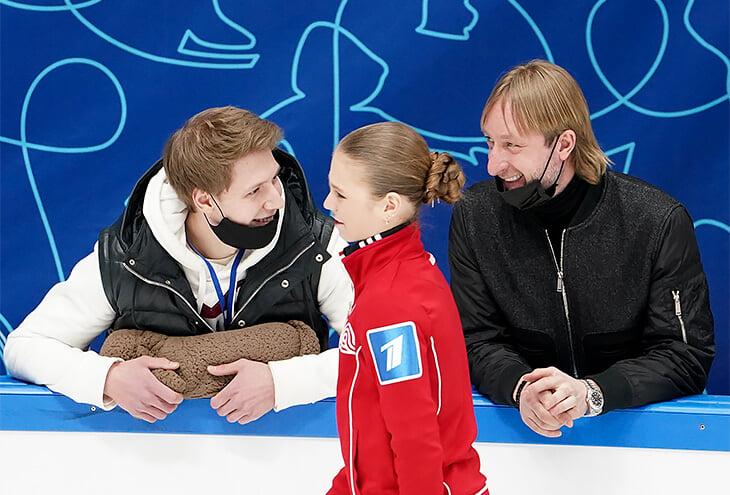 Плющенко так увлекся борьбой с Тутберидзе, что запутался с Трусовой: хаотично тасовал тренеров, прыжки и костюмы