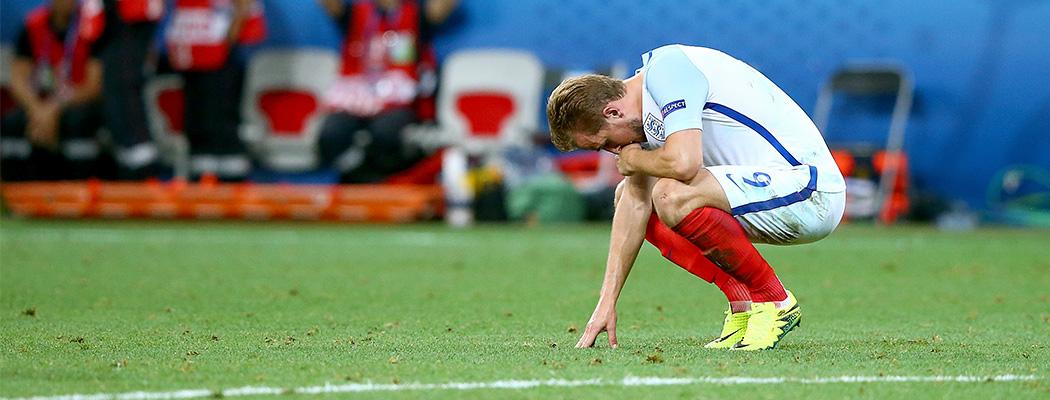 Почему Англия опять опозорилась