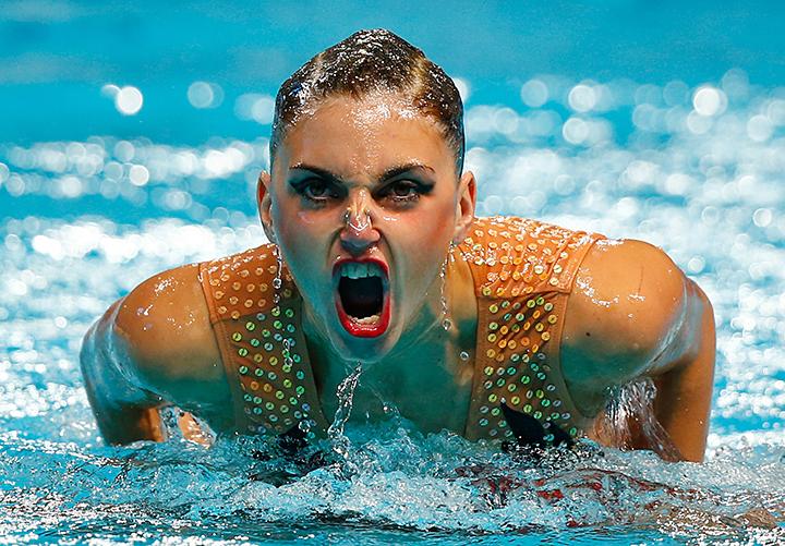 Групповой секс под водой девушек спортсменок по синхронному плаванию онлайн