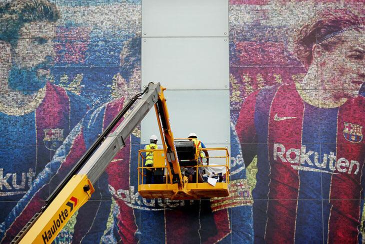 Самая грустная замена билбордов: с «Камп Ноу» убрали фото Месси