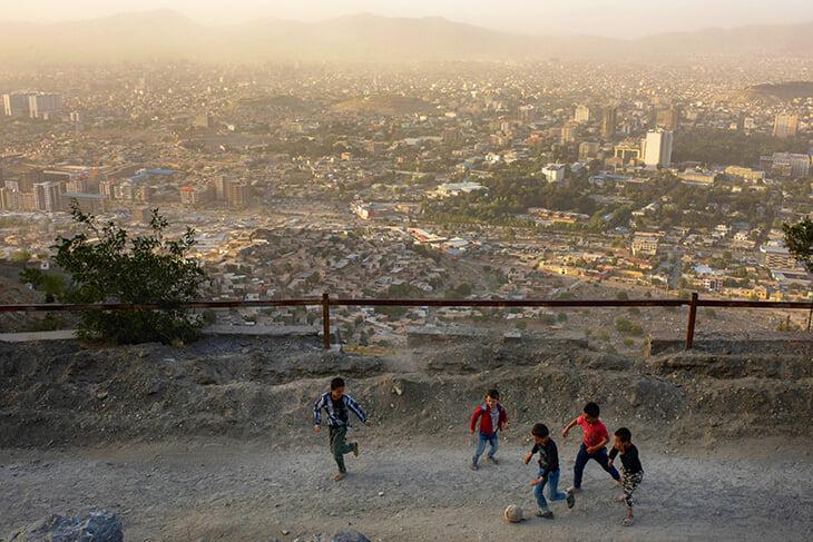 Афганский футбол – в фото: игра в бассейне, женская сборная и стадион, на котором казнили людей