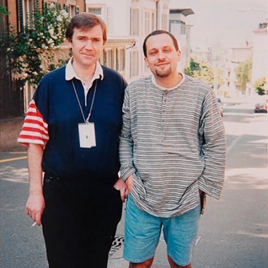 Юрий Розанов стал комментатором, обойдя возрастной лимит. До этого он выиграл конкурс Первого канала, но вместо поездки на Евро-1996 получил телевизор