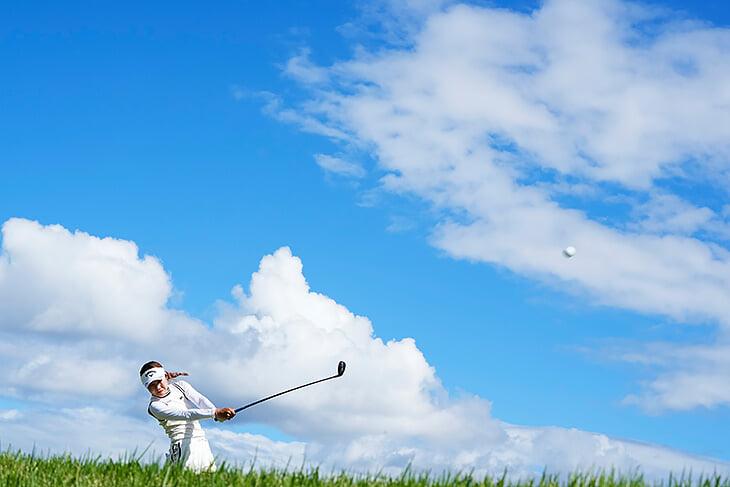 Вся красота сентября: пейзажи с гольфа и IRONMAN, 110 тысяч на студенческом футболе, Месси и Роналду снова рядом