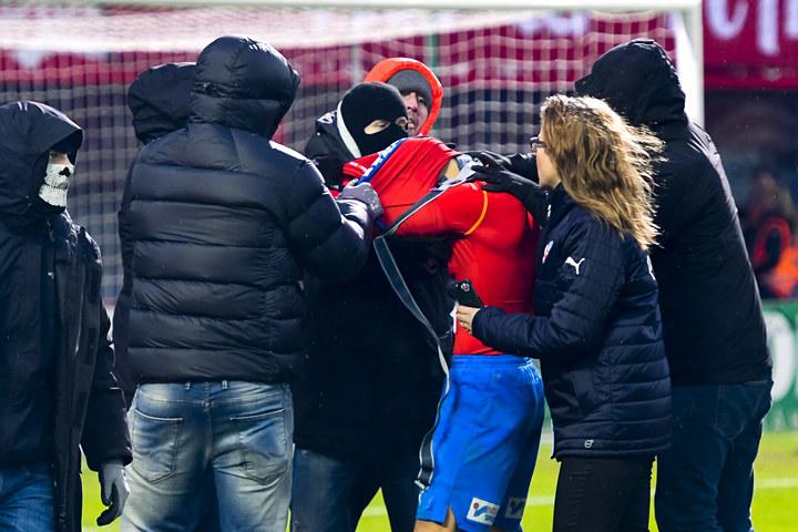 Фанаты «Хельсинборга» атаковали сына Хенрика Ларссона