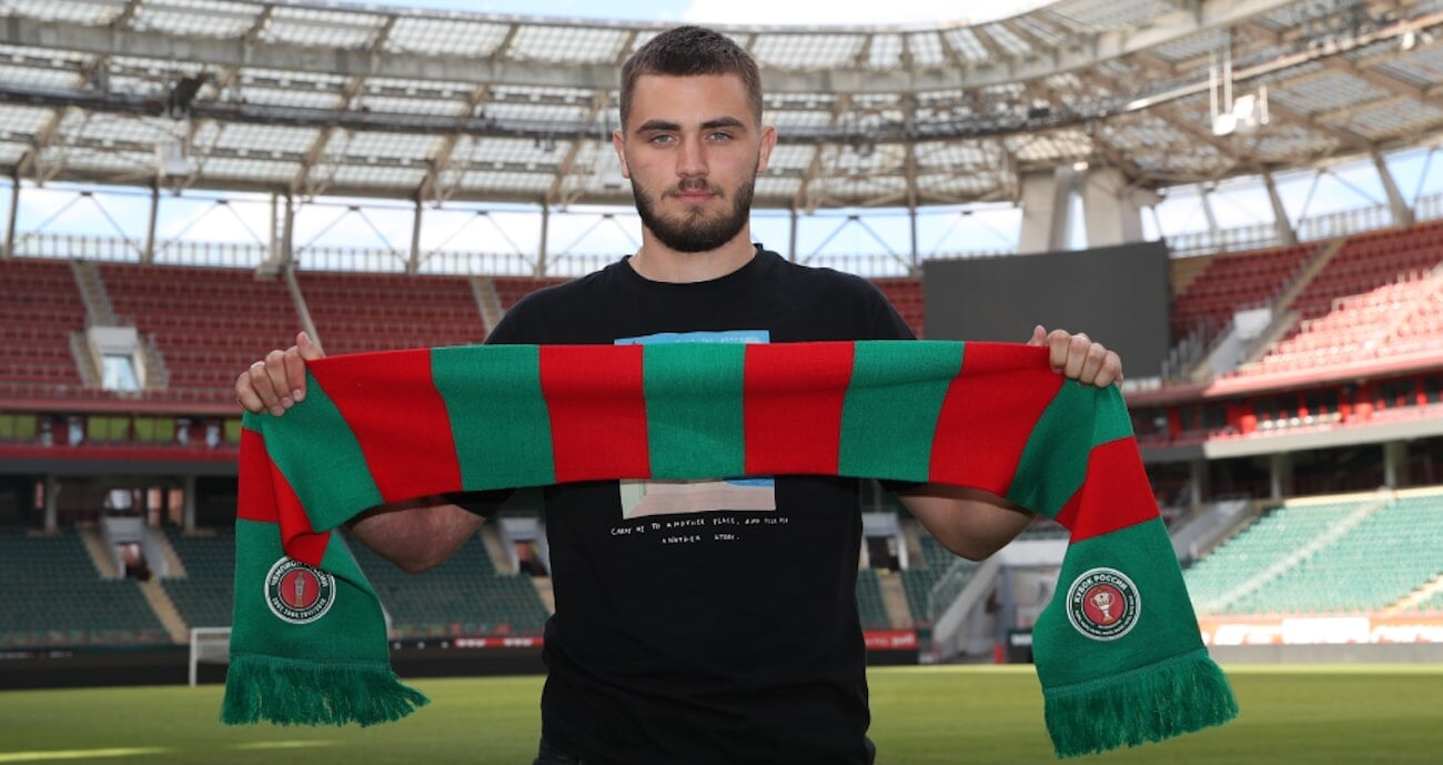 Локомотив подписал защитника Ахмата Ненахова. Контракт  на 3 года