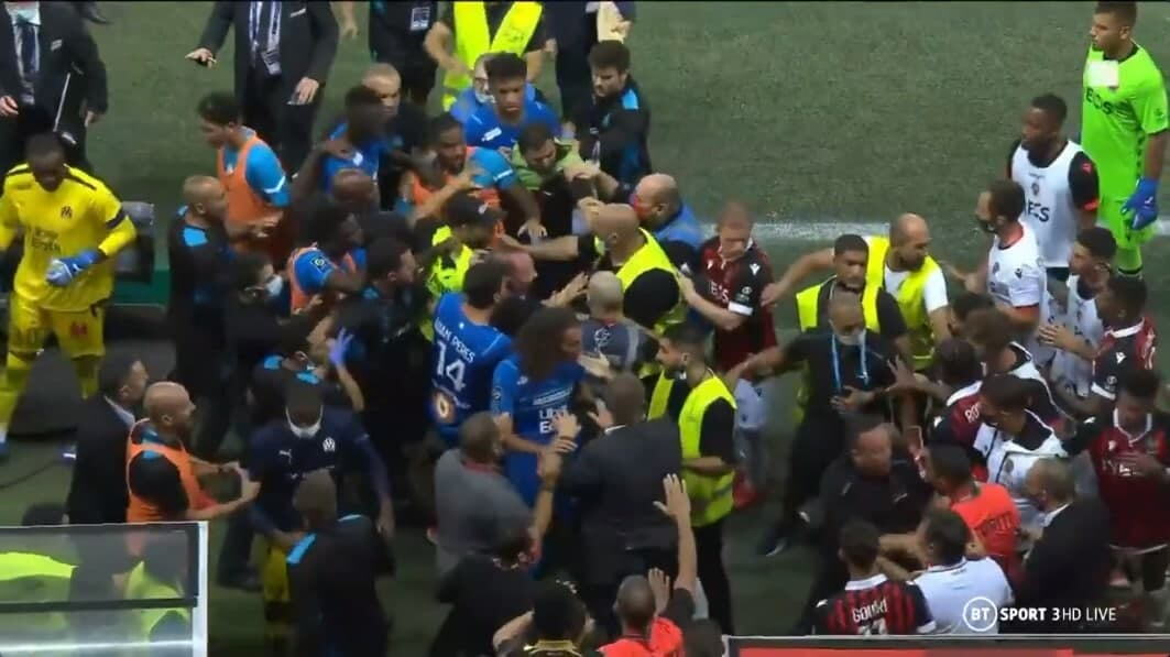 Побоище во Франции: фанаты «Ниццы» подрались с игроками «Марселя». Технарь влепили «Марселю»
