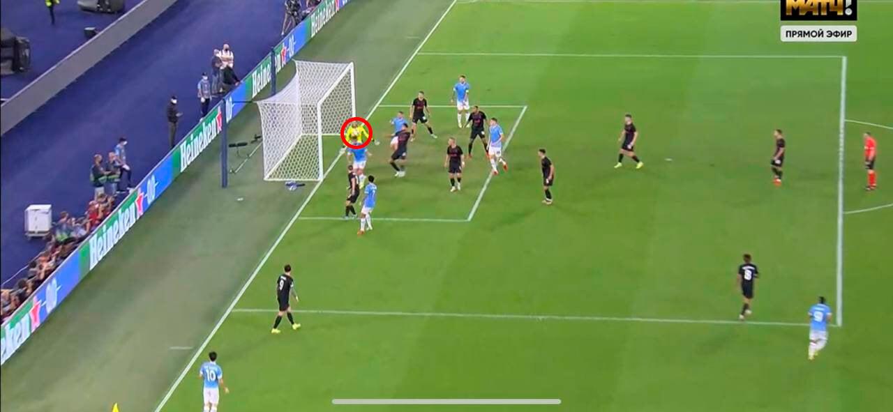 Странная ошибка Гильерме: мяч пролетел сквозь вратаря. И это сразу после ужасного удаления с «Химками»