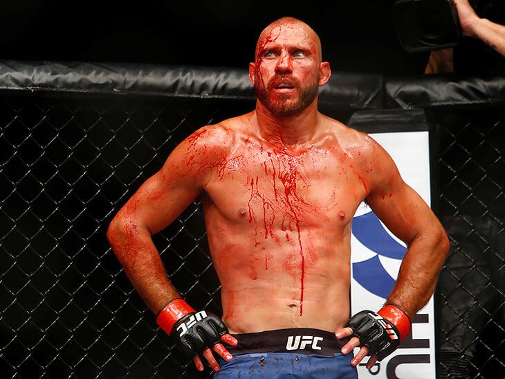 В UFC странная система бонусов. Многие против