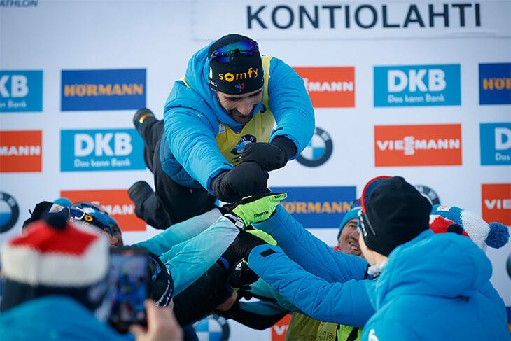 Роскошные проводы Фуркада: победа, шампанское после финиша и даже разговор с Логиновым