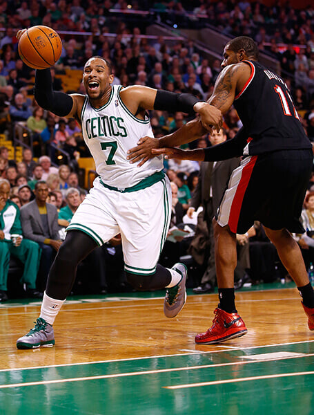 Мы видели толстого Хардена. А кто еще в НБА играл с большим животом?