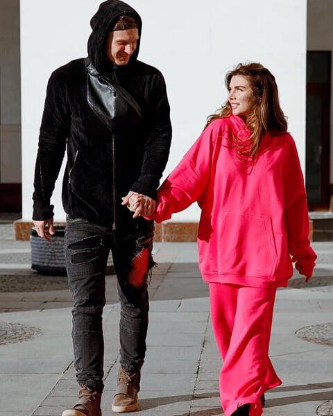 «Обещаю стать лучшей женой, другом и партнером». Янис Тимма + Анна Седокова = неожиданный роман в баскетболе