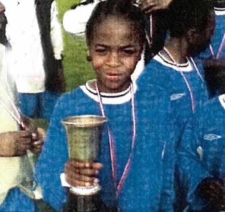 Стерлингу было 2 года, когда убили его отца. Детство Рахима спрятано в словах учителя: «Ты попадешь либо в сборную, либо в тюрьму»