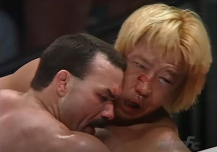 В начале нулевых в Японии прошел легендарный поединок: бойцы нанесли 93 удара за 30 секунд. Сейчас один из них парализован, а второй – едва выбрался из комы