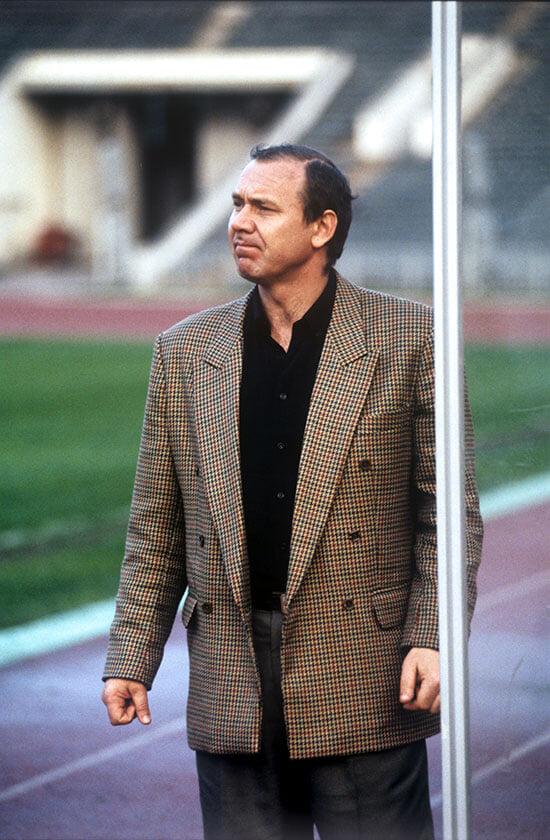 Первый тренерский сезон Романцева в «Спартаке»: пришел в 35 лет, разрешил игрокам тусить и сразу стал чемпионом