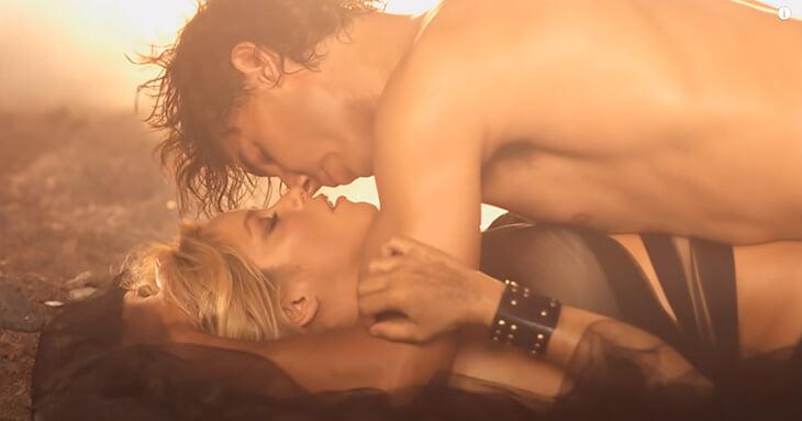 10 лет назад Шакира позвала Надаля в откровенный клип. Джокович снял пародию, где «тряс всем, что было»