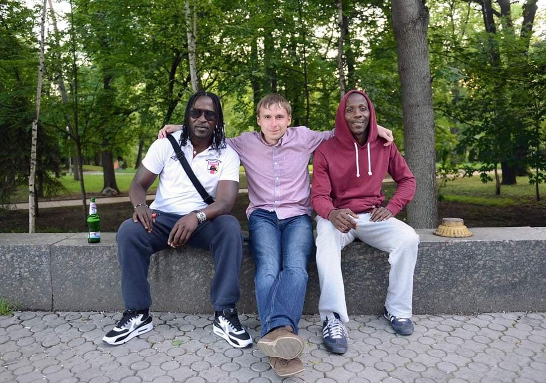 В 2013-м «Алания» нашла Дренте в магазине одежды Роттердама: он перевез в Осетию родню, пел фанатам на прогулках и не получил обещанных денег