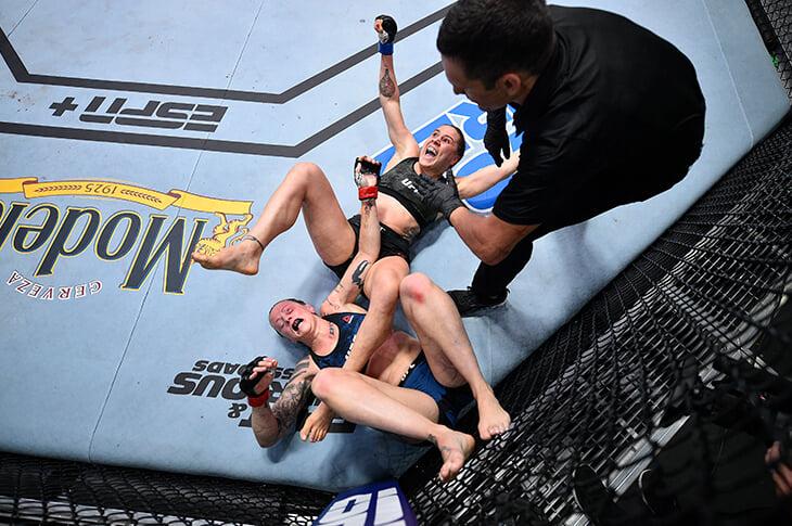 В UFC сорвались два боя: из-за коронавируса и обморока. Но главные поединки были жаркими