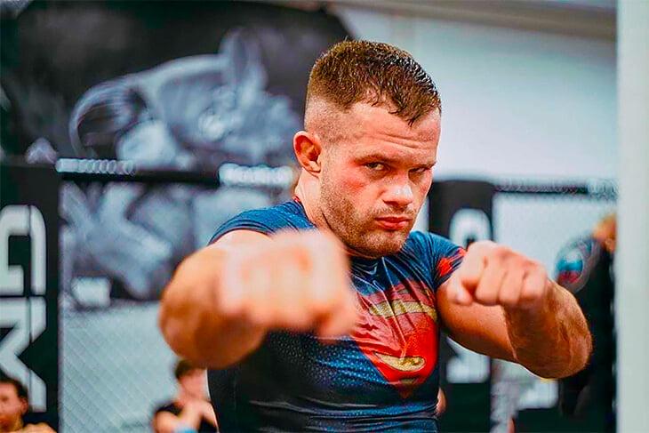 Чемпион Fight Nights Бикрев считает, что Амиров не сможет его оскорбить, потому что младше на 10 лет. А бой интересен из-за столкновения стилей