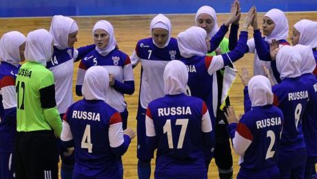 «Наши девочки говорят, что уже привыкли». Сборная России в хиджабах