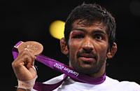 «Если можно, я останусь при своей медали». Мужской поступок индийского борца в память о Бесике Кудухове