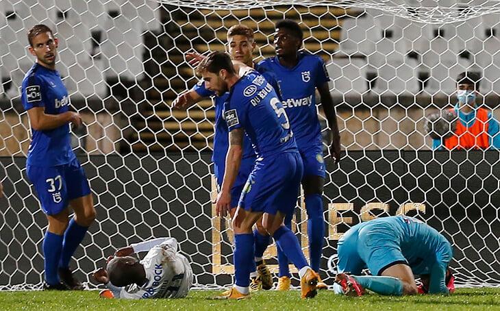 Жутчайший эпизод в Португалии: Крицюк вырубил игрока «Порту», скорая въехала прямо на поле, плакал даже Пепе